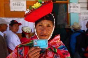 Perú: Presidente Vizcarra anuncia reforma política