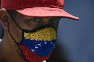 Guaidó y Maduro auncian acuerdo con la OPS para contener propagación de COVID-19